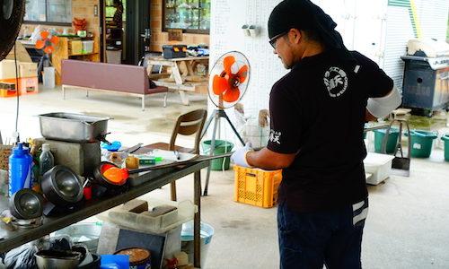 【沖縄旅行】琉球ガラス作り体験なら読谷村にある「ガラス工房 晴天」がおすすめ!職人さんが面白すぎるぞ!